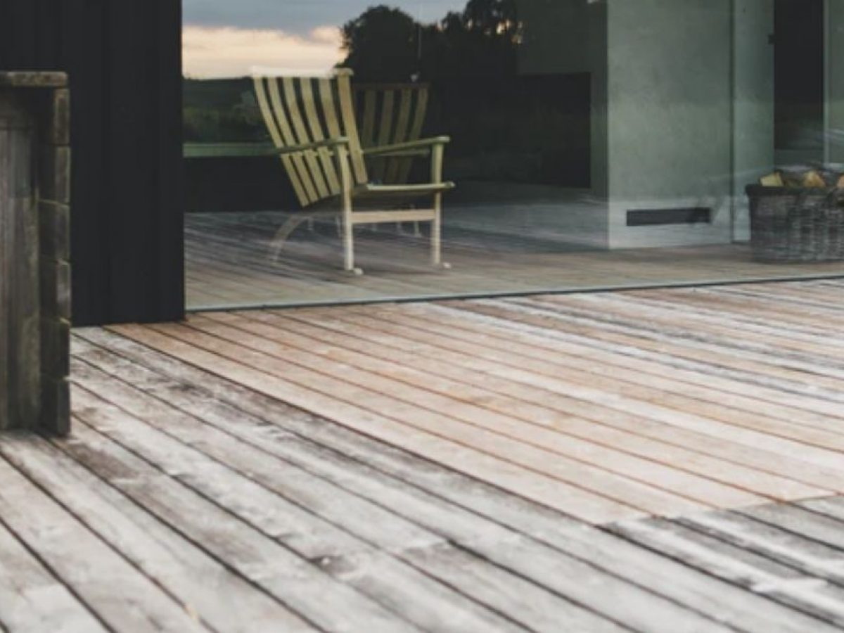 Paint It Or Peel It What S The Best Practice For Algae Covered Decking Christies Landscapes Canberra Landscaper